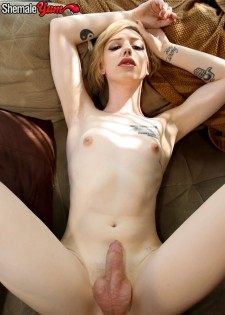 Annabelle Lane Strokes And Cums!