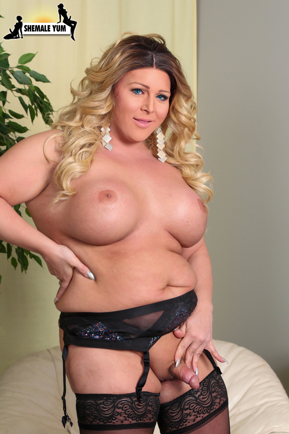 Huge thick creamy load creampie 4