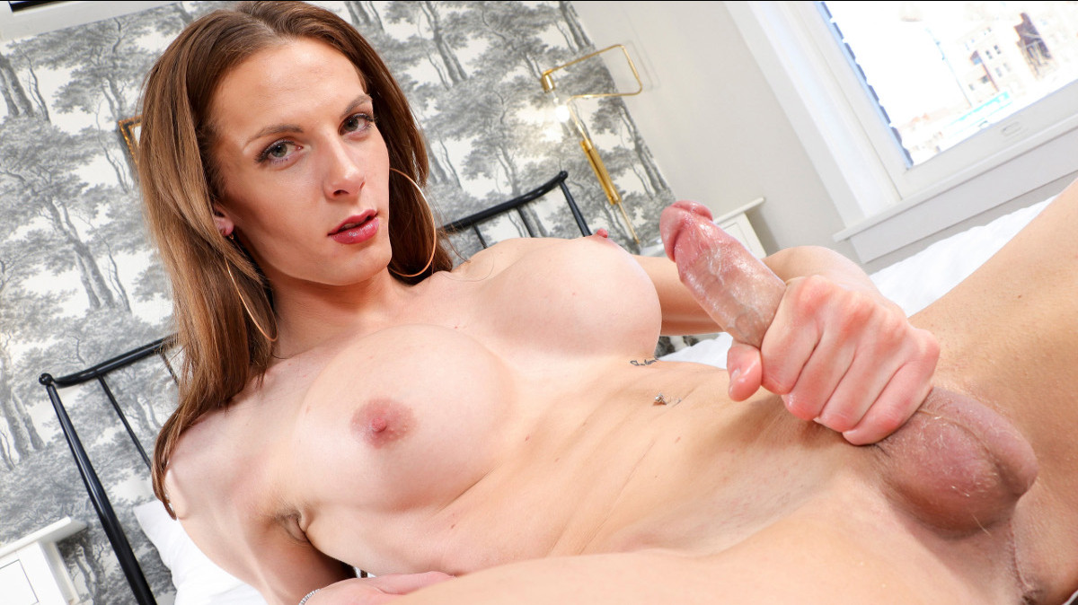Climax Monday: Natalee Skye Cums Again!