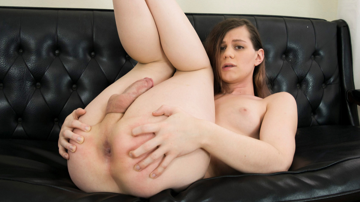 Cute And Horny Taylor Jennings!