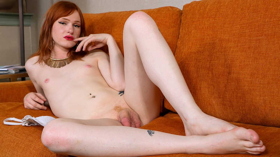 Sexy Redhead Coco Dahlia Gets Naked!